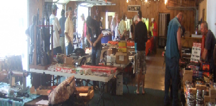 The show consisted of about 40 tables full of all kinds of air rifles and pistols. Even an air bazooka!