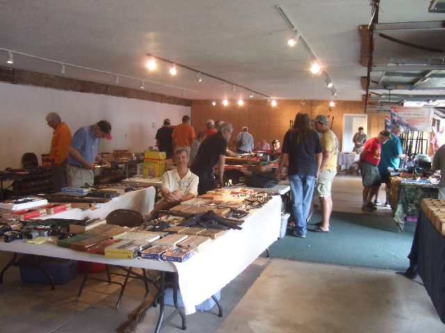 Wes Powers always brings some nice airguns. Wes is the sponsor of the Daisy Get Together in Kalamazoo MI.